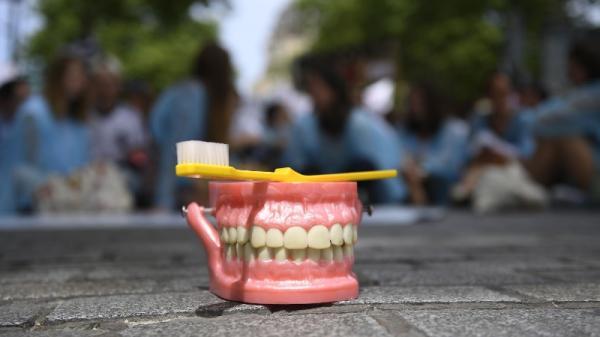 la dentisterie trop chère ?